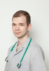 Гофманов С. С. Врач-колопроктолог.